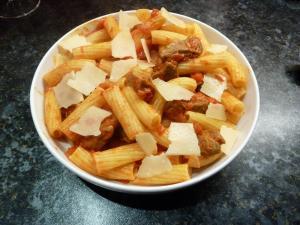 Lamb and pasta sauce
